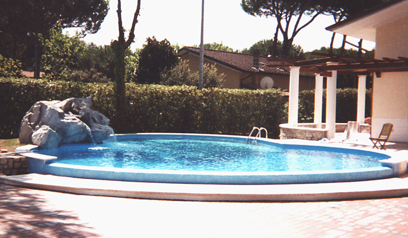 Costruzione manutenzione piscine trattamento acqua piscine piscine biologiche piscine a - Trattamento acqua piscina ...